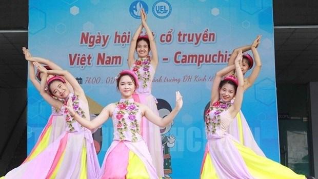 De riches activites celebrant les fetes traditionnelles du Laos et du Cambodge hinh anh 1