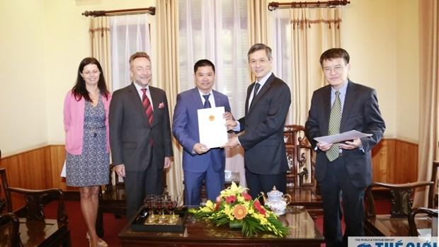 Remise de l'attestation de consul d'honneur de la Republique tcheque a Hai Phong hinh anh 1