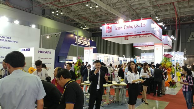 SaigonTex 2018 regroupe 900 entreprises hinh anh 1