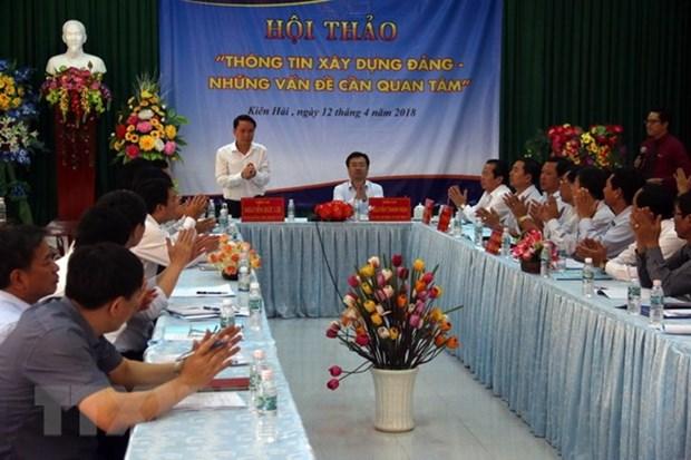 Colloque sur des modes a renforcer les informations sur l'edification du Parti hinh anh 1