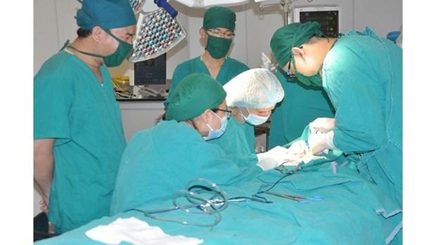 Succes d'une chirurgie du lymphœdeme au Vietnam hinh anh 1