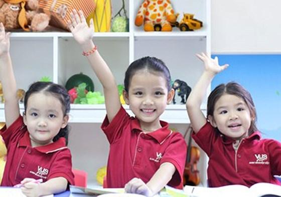 VUS ouvre un centre d'anglais pour les enfants en maternelle hinh anh 1
