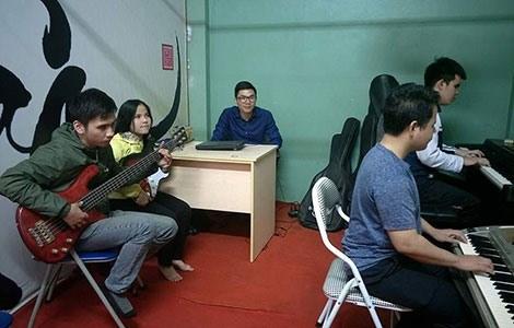 Nang mai: Quand la musique eclaire le chemin hinh anh 1