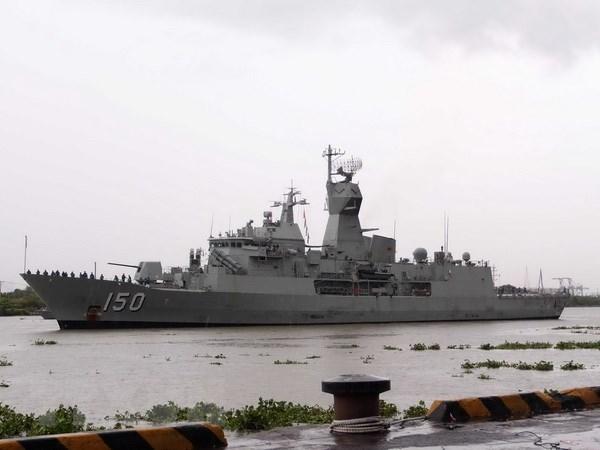 Trois navires de la Marine royale australienne en visite a Ho Chi Minh-Ville hinh anh 1