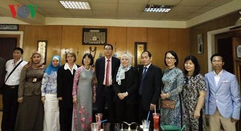 Presentation des cultures vietnamienne et egyptienne sur la radio VOV hinh anh 2