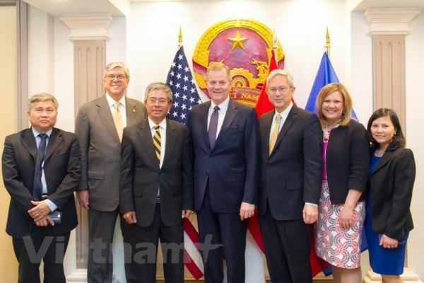 L'ambassadeur du Vietnam aux Etats-Unis recoit des Mormons hinh anh 1