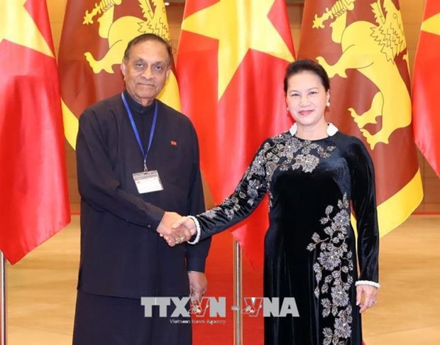 Le president du Parlement du Sri Lanka termine sa visite officielle au Vietnam hinh anh 1