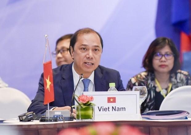 Les hauts officiels examinent les preparatifs du Sommet de l'ASEAN a Singapour hinh anh 1