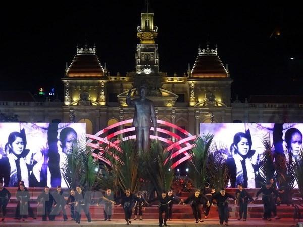 Celebrations de la journee de la liberation du Sud et de la reunification nationale hinh anh 1