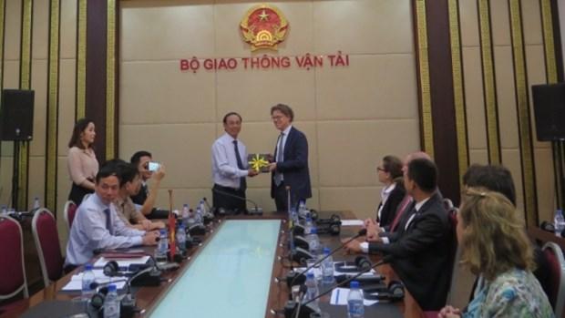 Volvo souhaite investir directement au Vietnam hinh anh 1