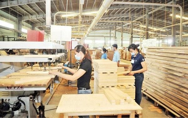 Filiere bois et ameublement: 2,6 milliards de dollars d'exportation en 4 mois hinh anh 1