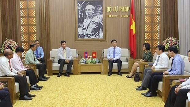 Vietnam - Laos : Renforcement des relations de cooperation dans le secteur judiciaire hinh anh 1