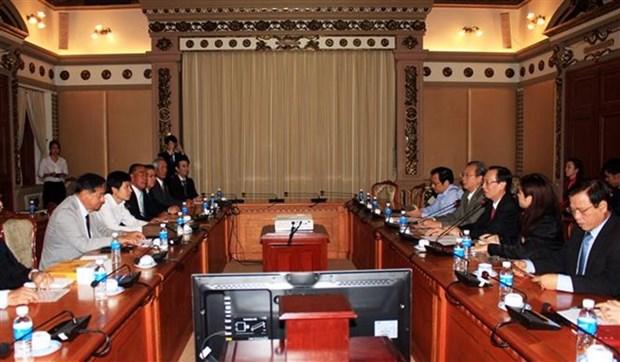Ho Chi Minh-Ville et la prefecture de Nagasaki (Japon) favorisent les echanges d'etudiants hinh anh 1