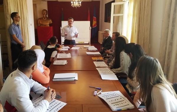 L'ambassade du Vietnam en Algerie ouvre une classe de vietnamien hinh anh 1
