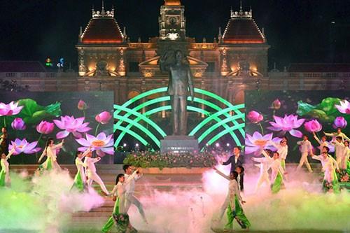 Celebration du 128e anniversaire du president Ho Chi Minh hinh anh 1