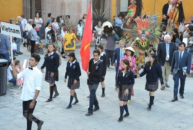 Le Vietnam a la 19eme Semaine culturelle internationale a San Miguel de Allende hinh anh 2