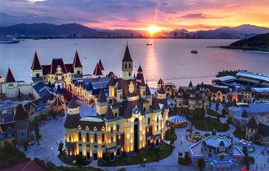 Un parc vietnamien parmi les 25 les meilleurs parcs d'attraction d'Asie hinh anh 1