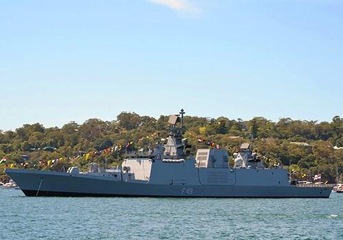 Trois navires de la Marine indienne en visite a Da Nang hinh anh 1
