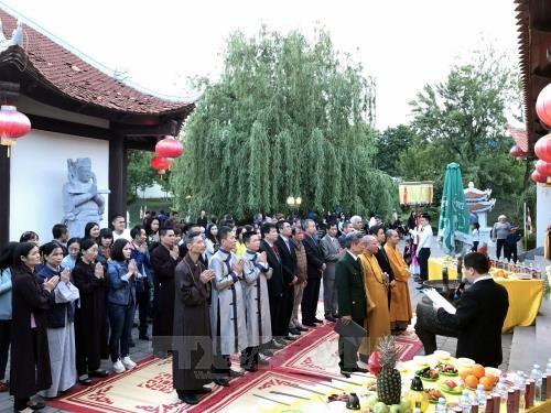 Pagode Truc Lam-Kharkov : en memoire des soldats morts pour la defense de la souverainete hinh anh 1