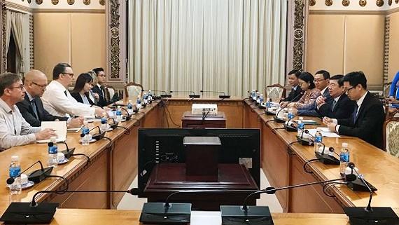 Ho Chi Minh-Ville dynamisent sa cooperation avec Cuba et la Finlande hinh anh 2