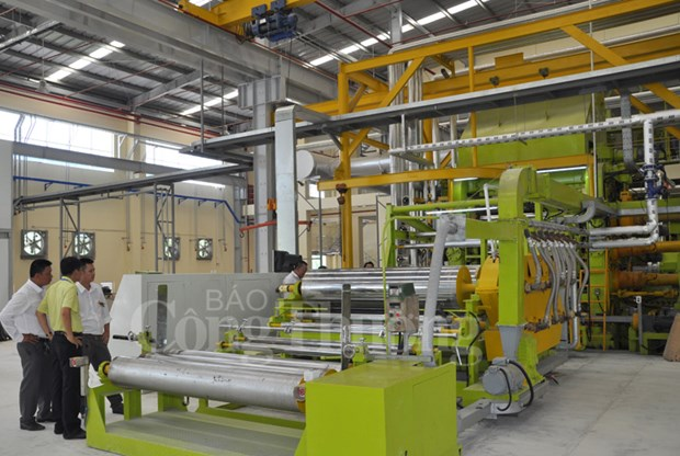 Inauguration d'une usine de produits plastiques de 32 millions de dollars a Long An hinh anh 1