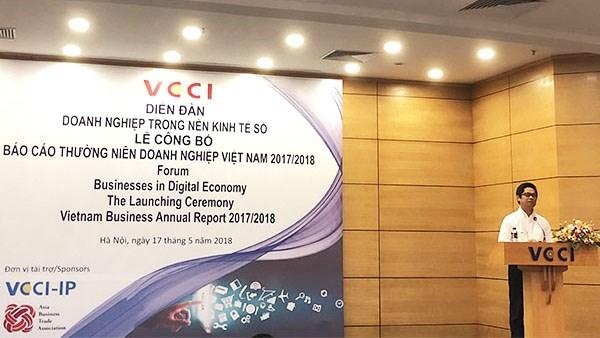 Lancement du rapport annuel sur les entreprises vietnamiennes 2017/2018 hinh anh 1