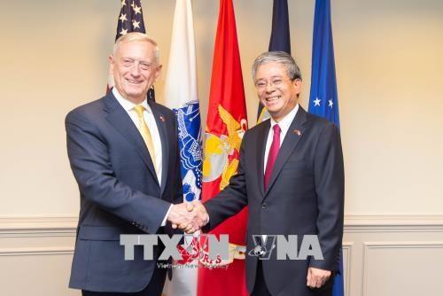 Des officiels americains apprecient le developpement des relations avec le Vietnam hinh anh 1