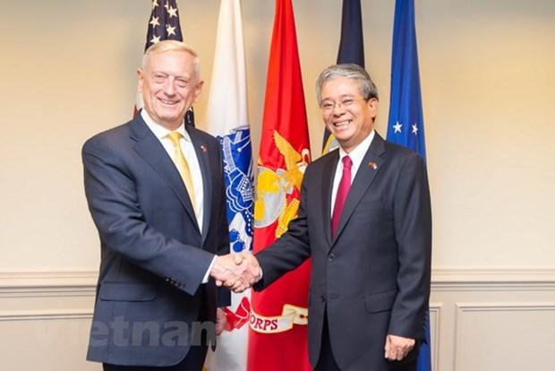 Le secretaire americain a la Defense James Mattis recoit le diplomate Pham Quang Vinh hinh anh 1