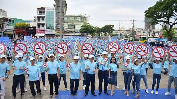 Le Vietnam se mobilise pour la Journee mondiale sans tabac hinh anh 1