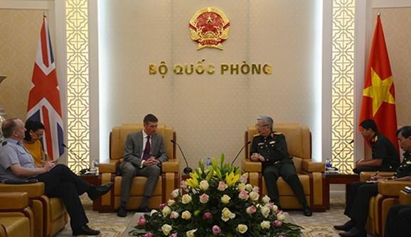 Defense: le Vietnam renforce la cooperation avec le Royaume-Uni, Israel et l'Afrique du Sud hinh anh 1