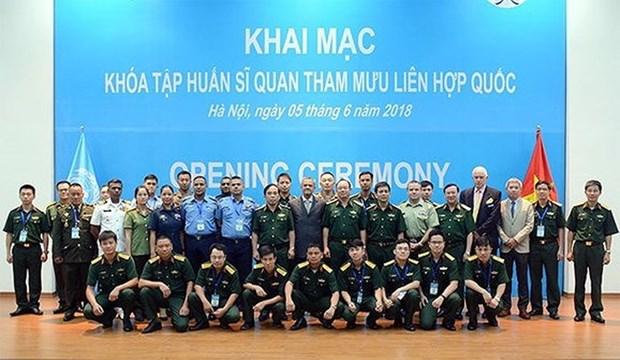 Formation d'officiers d'etat-major pour l'ONU au Vietnam hinh anh 1