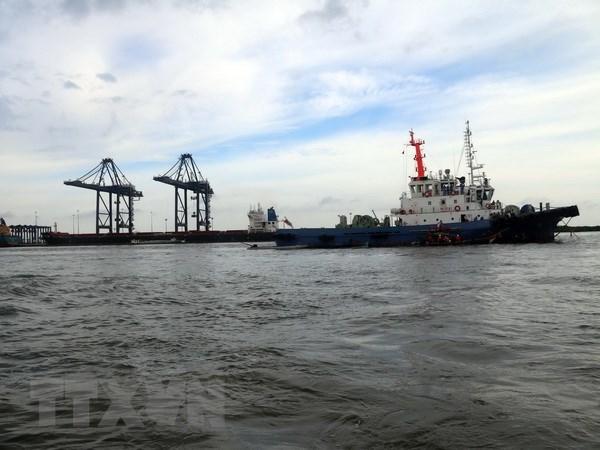 Sauvetage d'un cargo bloque au large de Vung Tau hinh anh 1