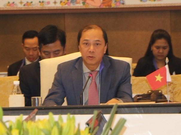 Singapour: 24eme consultation des hauts fonctionnaires de l'ASEAN et de la Chine hinh anh 1