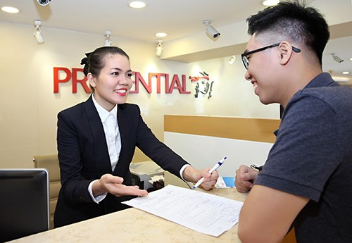 Prudential s'engage a investir a long terme au Vietnam hinh anh 1