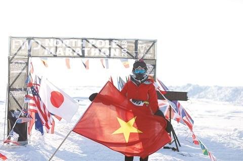 Elle devient la premiere Vietnamienne a courir le marathon du pole Nord hinh anh 1