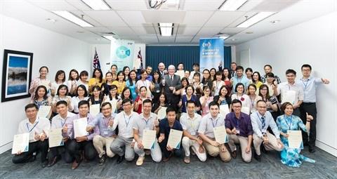 L'ambassadeur australien se felicite des contributions des boursiers vietnamiens hinh anh 2