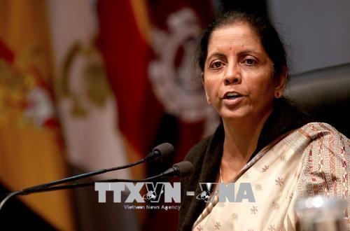 La ministre indienne de la Defense en visite officielle au Vietnam hinh anh 1