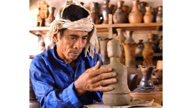 Elaboration du dossier de l'art de la ceramique des Chams pour le soumettre a l'UNESCO hinh anh 1