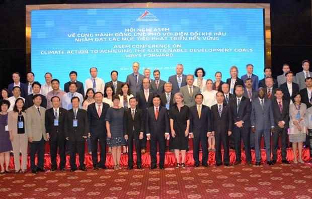 Cloture de la conference de l'ASEM sur le climat et le developpement durable a Can Tho hinh anh 1