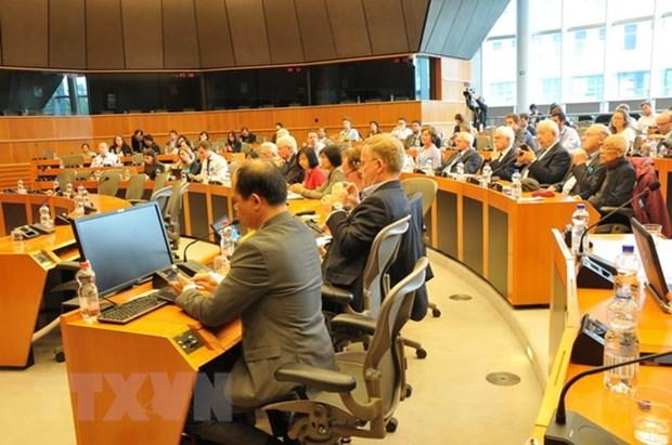 Seminaire sur l'acceleration de la signature de l'EVFTA a Bruxelles hinh anh 1