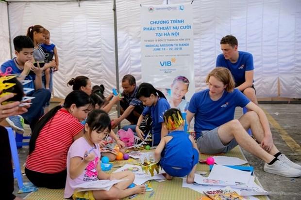 Phu Yen : operations gratuites en faveur d'enfants souffrant du bec-de-lievre hinh anh 1