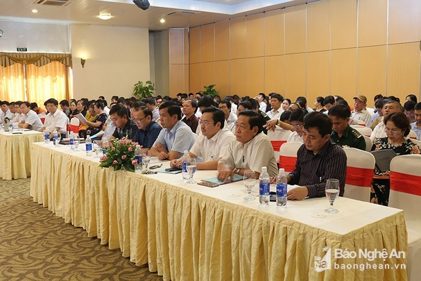 Renforcement des echanges commerciaux entre Nghe An et le Laos hinh anh 1