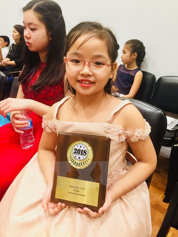 Une petite fille vietnamienne de 7 ans remporte un concours international de piano a New York hinh anh 1