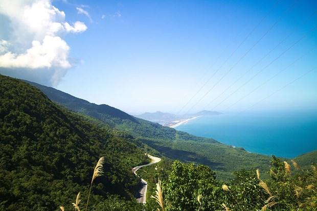 Le col de Hai Van et Ninh Binh parmi les plus beaux paysages d'Asie du Sud-Est hinh anh 1