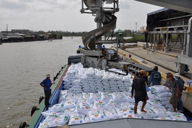 Plus de 2,4 millions de tonnes d'engrais importees en six mois hinh anh 1