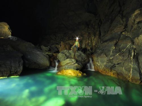 Quang Binh lance des circuits de decouverte de nouvelles grottes hinh anh 1