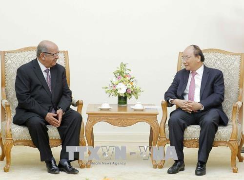 Le Premier ministre Nguyen Xuan Phuc recoit le chef de la diplomatie algerienne hinh anh 1