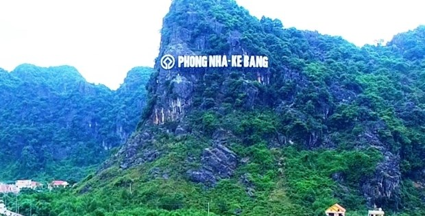 Decouverte des grottes Vom et Gieng Vooc a Phong Nha hinh anh 1