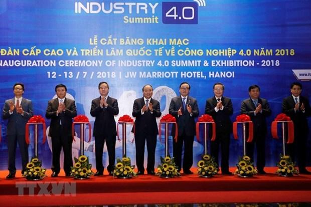 Le Premier ministre Nguyen Xuan Phuc assiste au Sommet de l'industrie 4.0 hinh anh 1