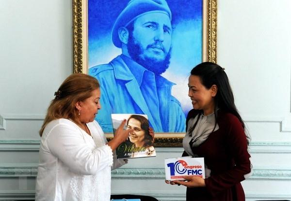 Vietnam et Cuba boostent l'amitie entre les organisations des femmes hinh anh 1